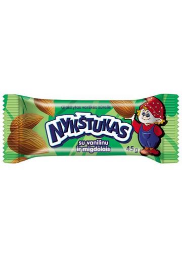 Requeson dulce bañado en chocolate con almendras 12x45gr NYKSTUKAS